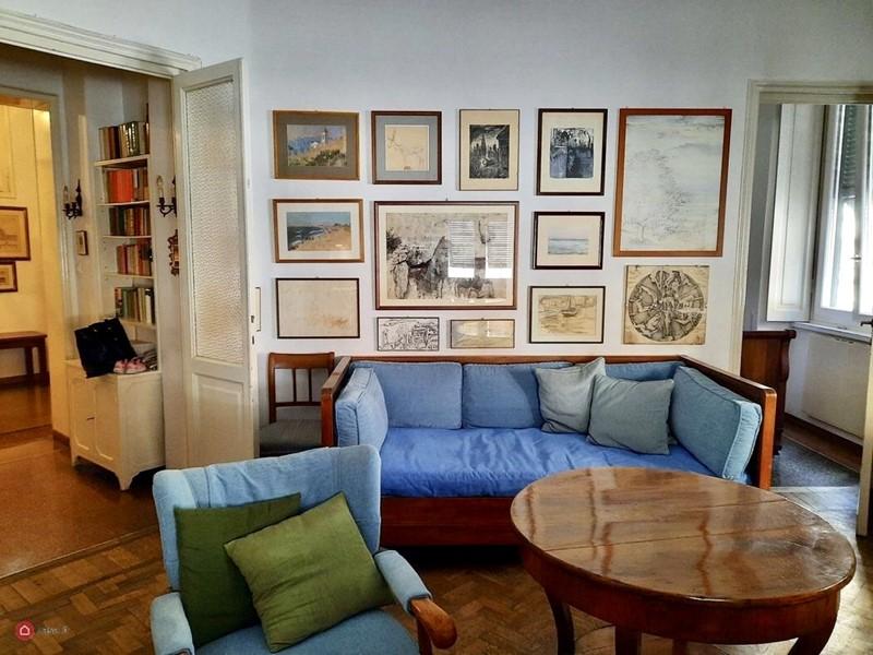 Интерьер квартиры в центре Рима 110 м² - Интерьер гостиной