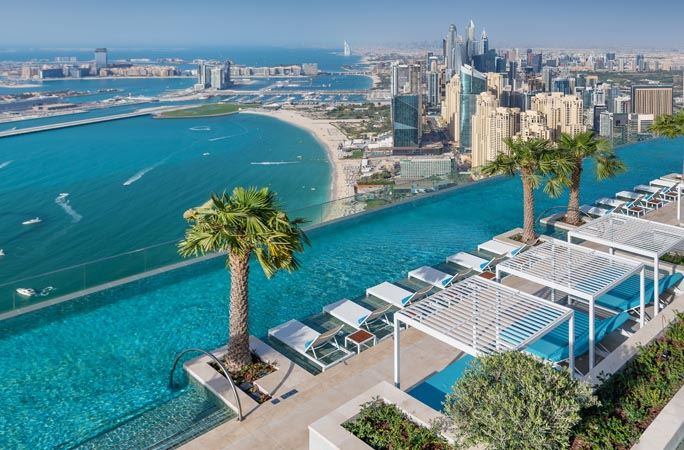 Бассейны-инфинити с панорамными видами - The Address Beach Resort (Дубай, ОАЭ)