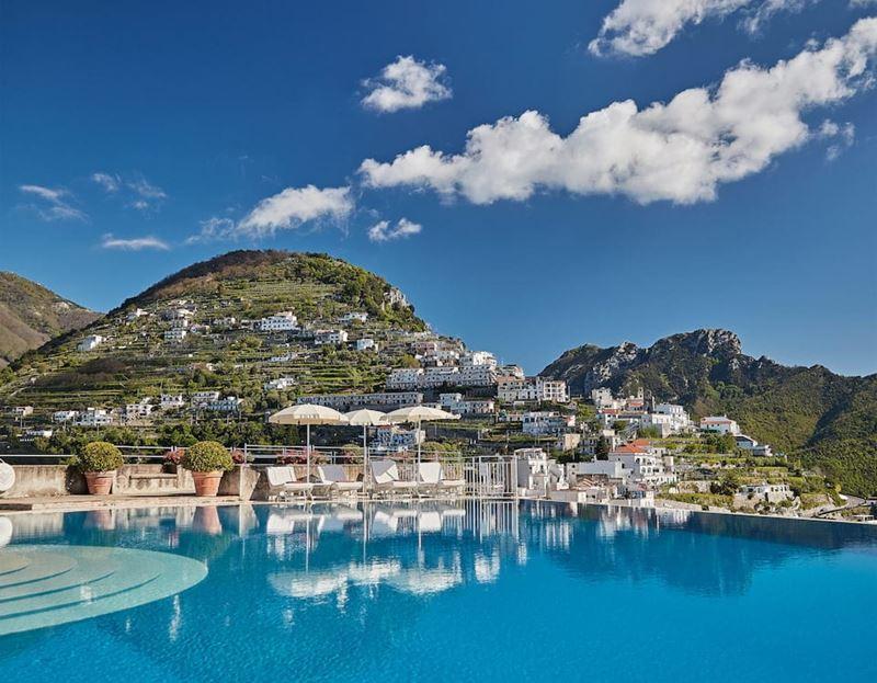 Бассейны-инфинити с панорамными видами - Belmond Hotel Caruso (Италия, Равелло)