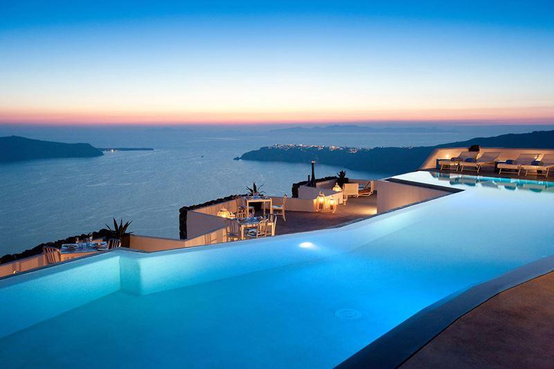 Бассейны-инфинити с панорамными видами - Grace Santorini (Греция, о. Санторини)