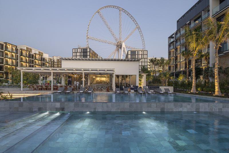 Пляжные клубы в отелях - Caesars Palace Dubai, Cove Beach (ОАЭ)
