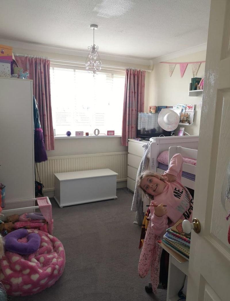Ремонт в спальне дочери, создав интерьер в стиле «Гарри Поттера»