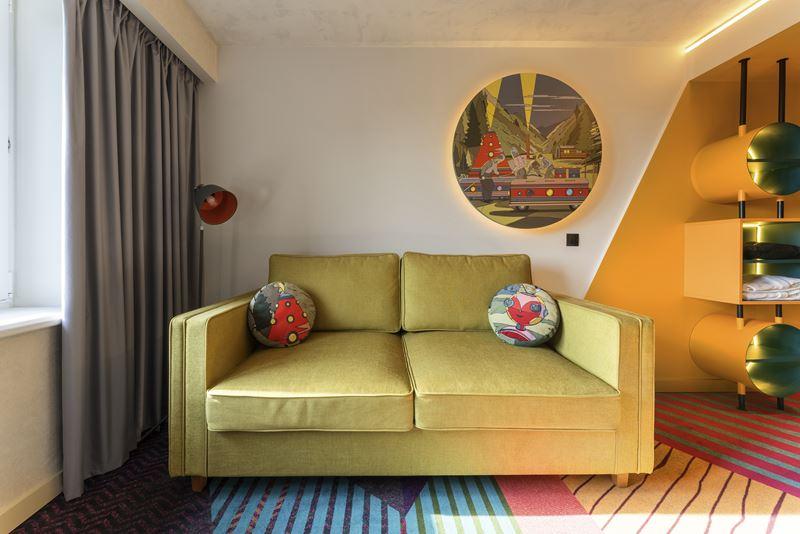 ibis Styles Челябинск - космический дизайн интерьера отеля - фото 2