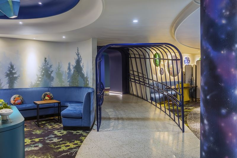 ibis Styles Челябинск - космический дизайн интерьера отеля - фото 7