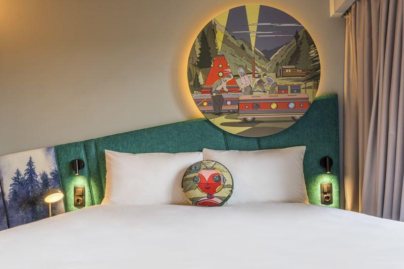 ibis Styles Челябинск - космический дизайн интерьера отеля - фото 8