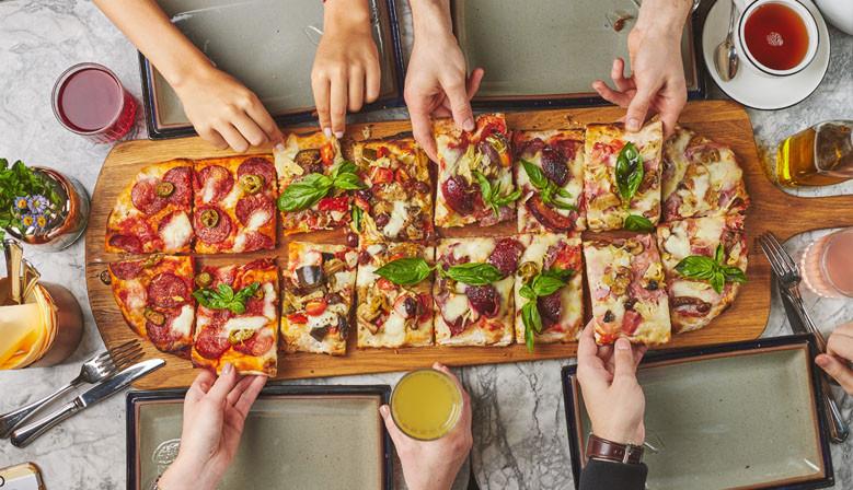 Римская пицца: 20 вариантов начинки от сети итальянских ресторанов Scrocchiarella