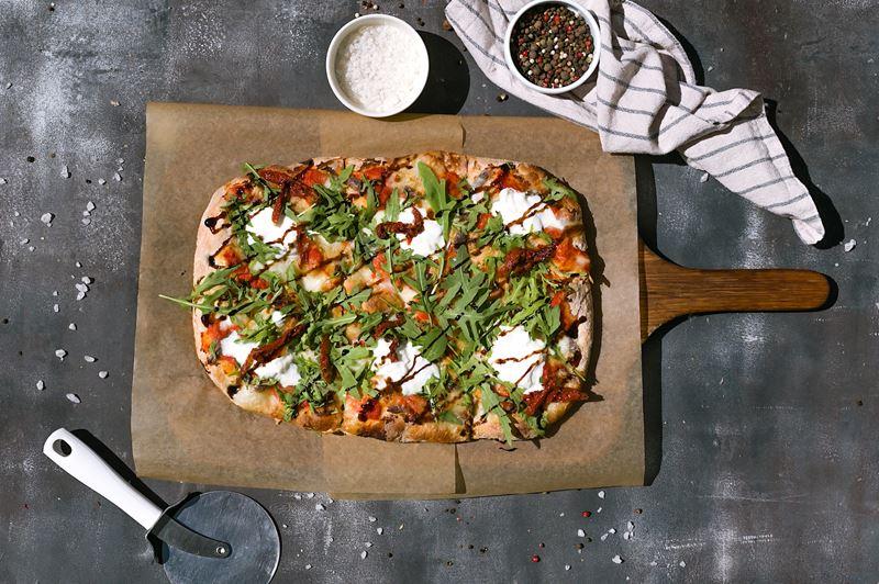 Римская пицца - начинки - Анчоусы c бурратой