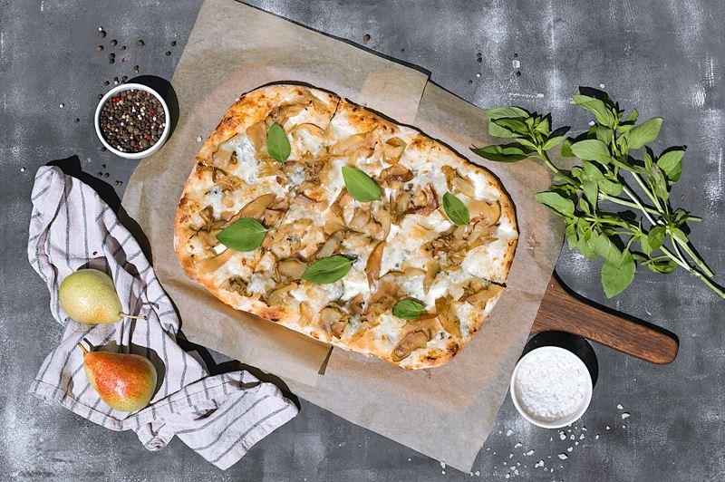 Римская пицца - начинки - Фламбированная груша с дор блю