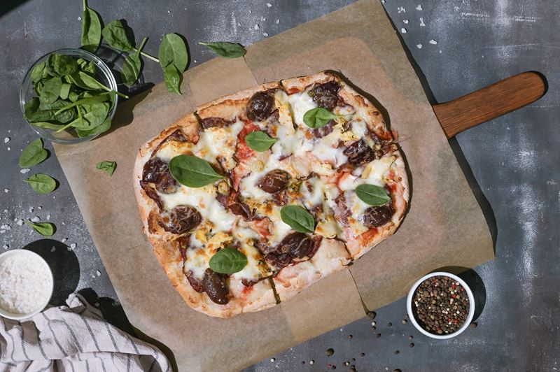 Римская пицца - начинки - Карпаччо со сливой и артишоком
