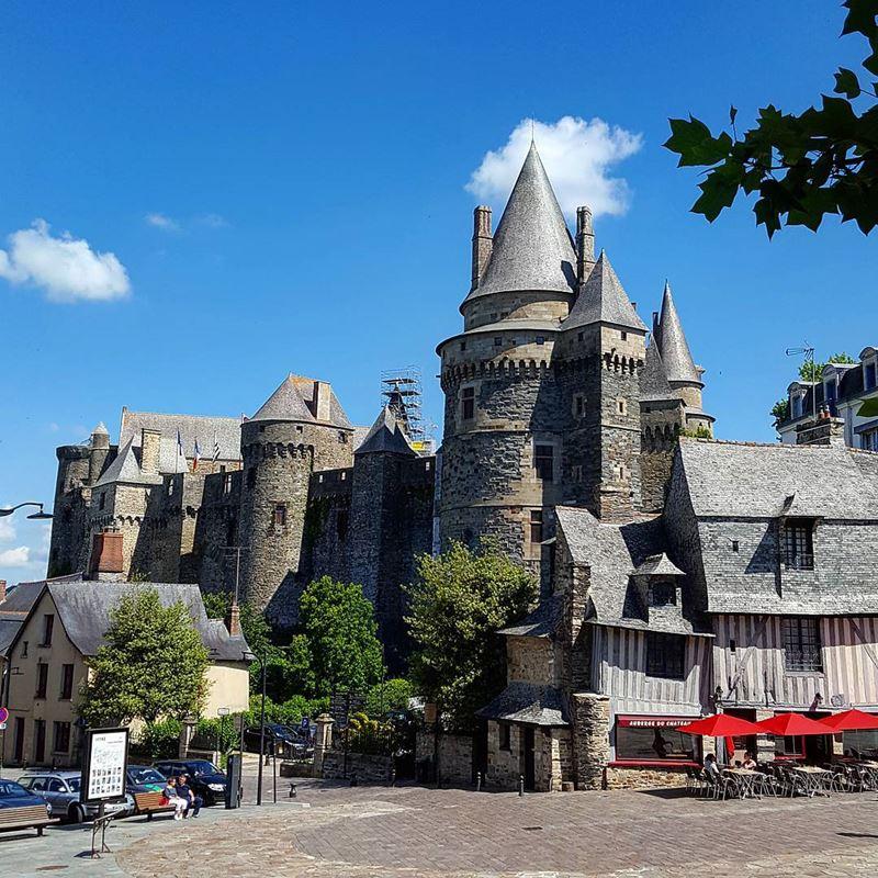 Красивые места и города Франции: Витре