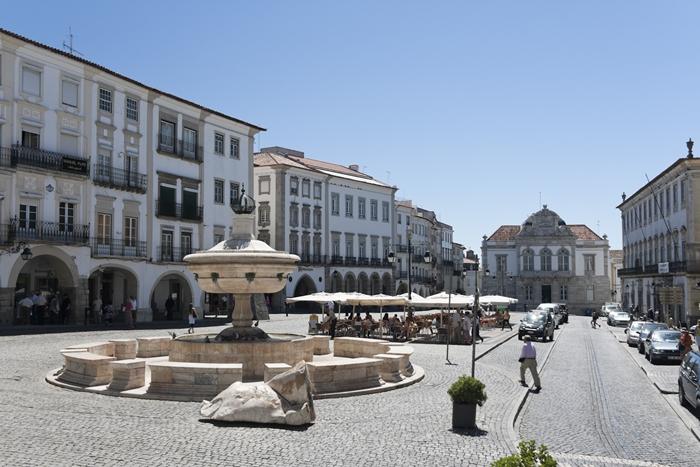 Города Португалии: Эвора