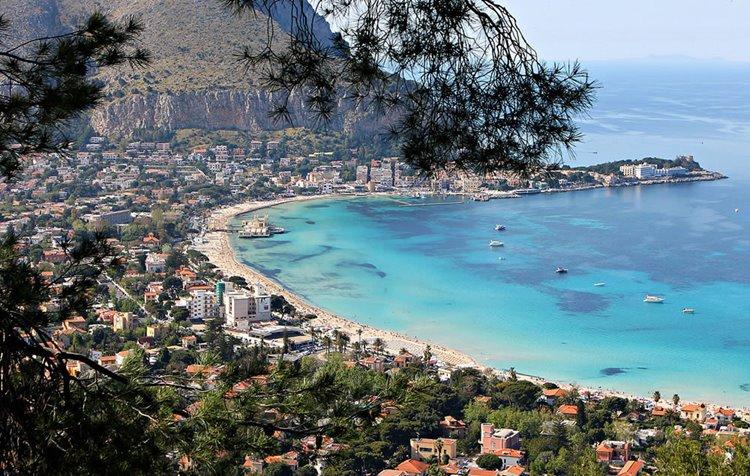 Лучший пляжный отдых в Италии: Монделло, Палермо