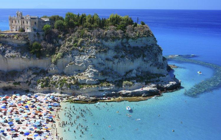Лучший пляжный отдых в Италии: побережье Тропеа