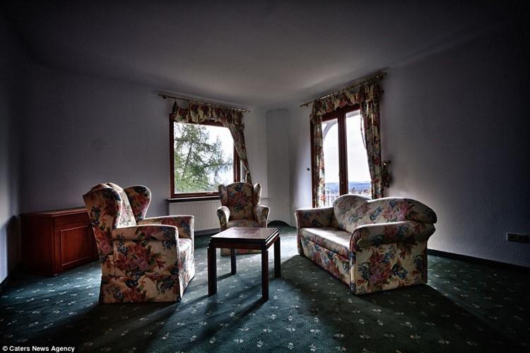 заброшенные отели европы (14)
