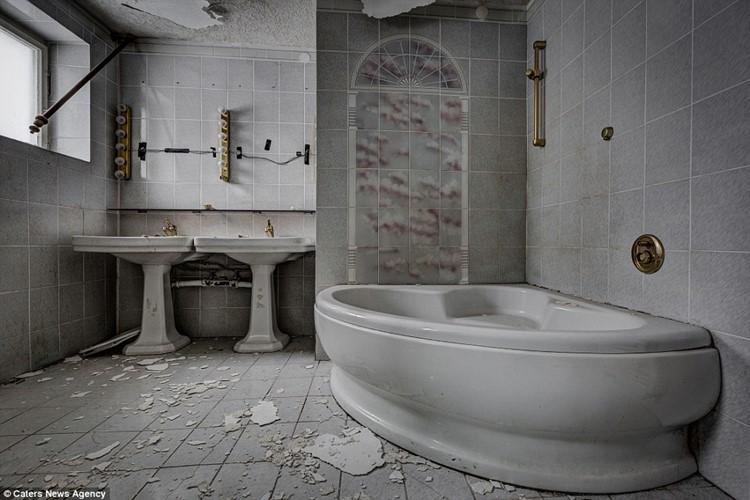 заброшенные отели европы (4)