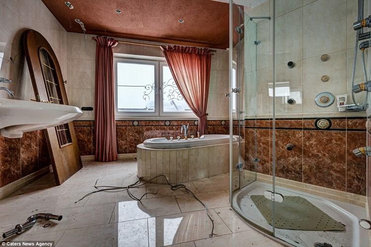 заброшенные отели европы (5)