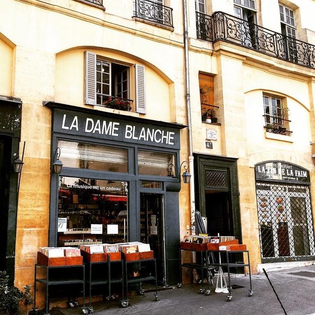 Улицы и кафе Парижа в Instagram 21