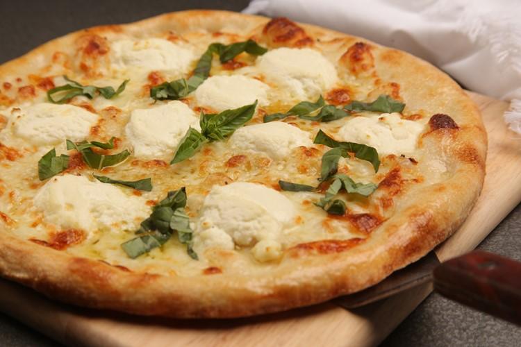 Блюда итальянской кухни, которые нужно попробовать в Риме - Пицца бьянка