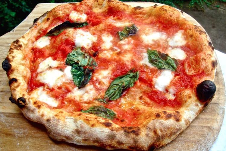 Блюда итальянской кухни, которые нужно попробовать в Риме - Римская пицца