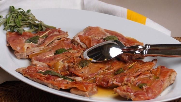 Блюда итальянской кухни, которые нужно попробовать в Риме - сальтимбока алла романа