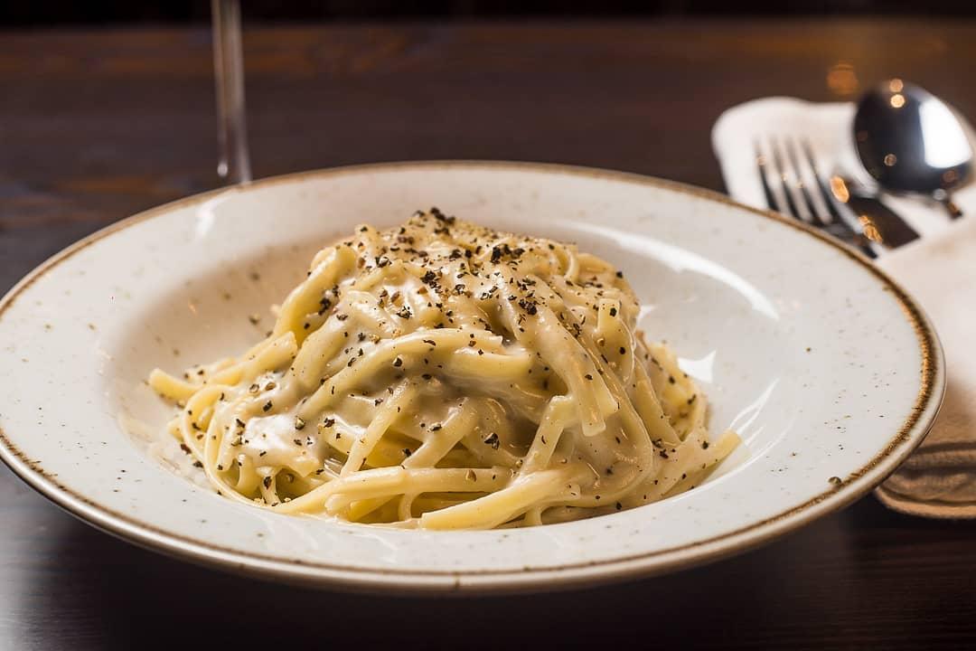 """Блюда итальянской кухни в Риме - Паста""""Качо е пепе"""""""