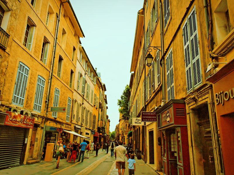 Экс-ан-Прованс – колоритный южный городок с рынками и фестивалями