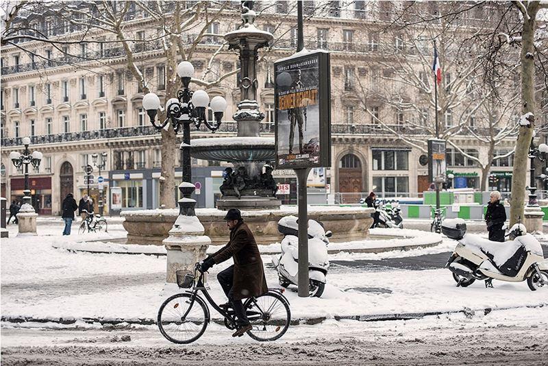 Улица Парижа зимой