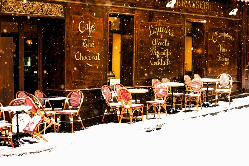 парижское кафе зимой
