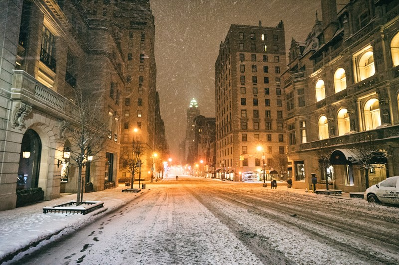 Нью-Йорк зимой снег в большом городе  (11)