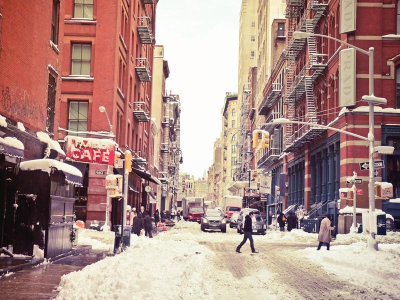 Нью-Йорк зимой снег в большом городе  (20)
