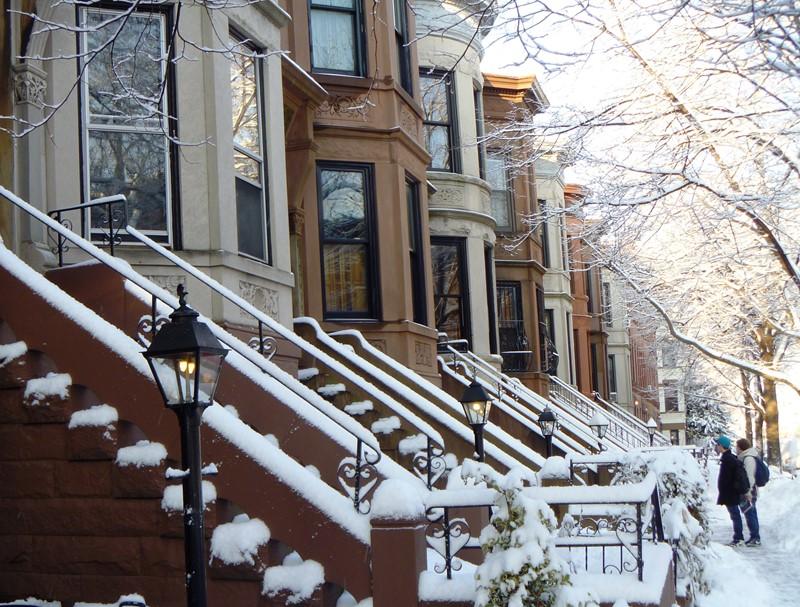 Нью-Йорк зимой снег в большом городе  (9)