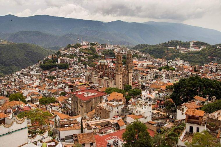 Крупные и красивые города Мексики: Таско-де-Аларкон