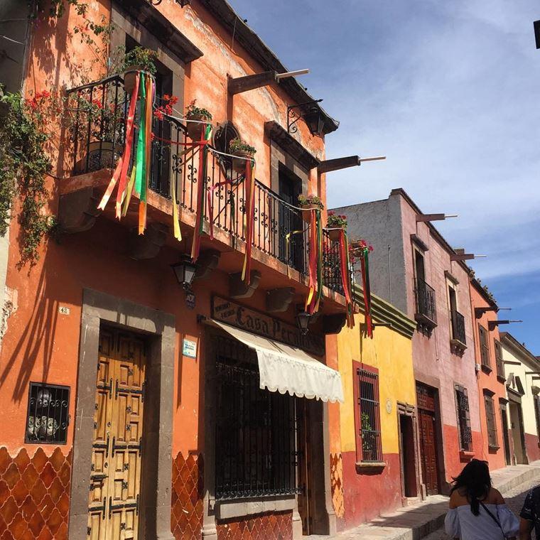 Крупные и красивые города Мексики: Сан-Мигель де Альенде