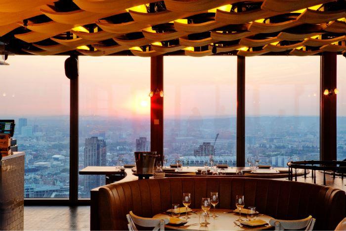 Рестораны с панорамным видом: Duck and Waffle (Лондон, Англия)