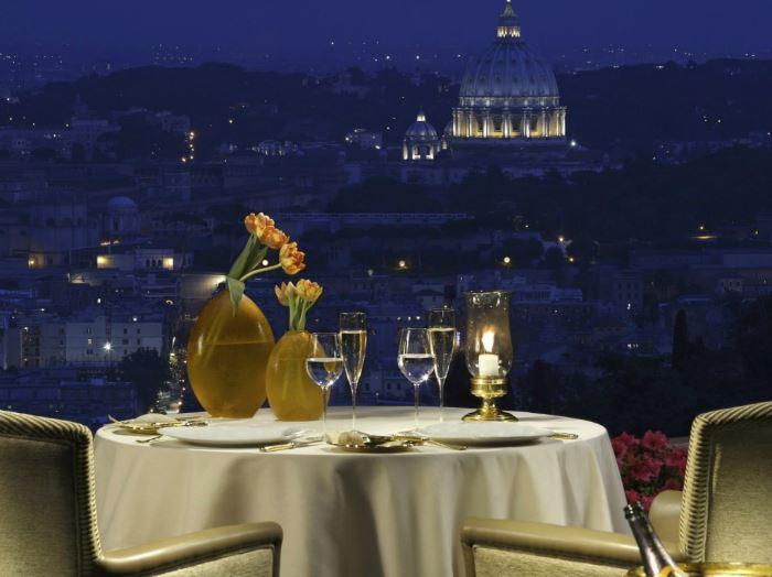 Рестораны с панорамным видом: La Pergola (Рим, Италия)