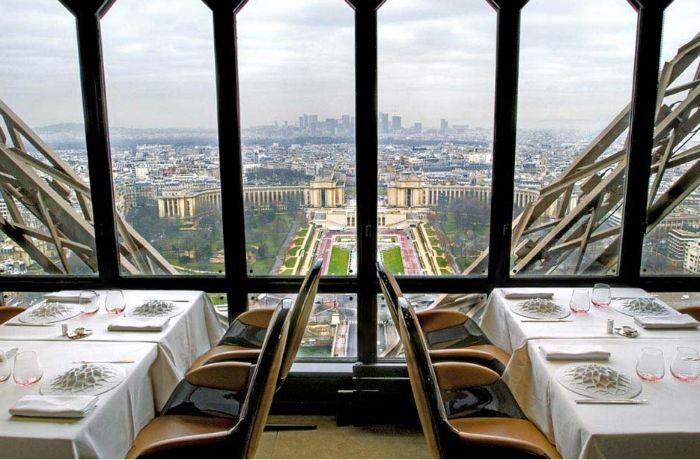 Рестораны с панорамным видом: Jules Verne (Париж, Франция)