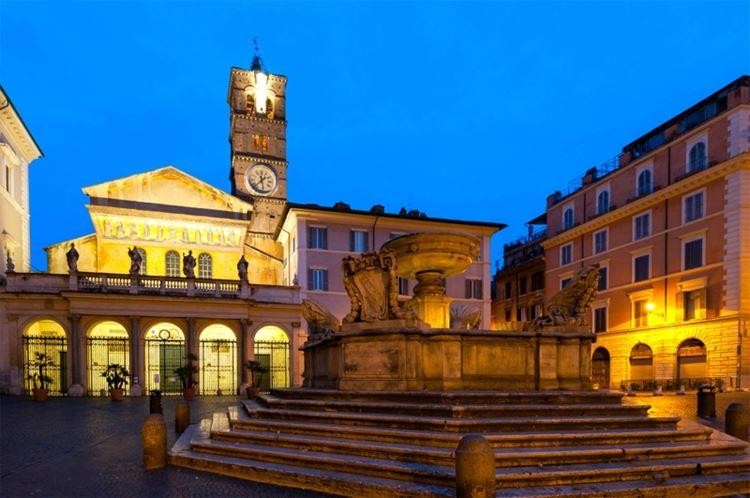 Главные красивые площади Рима: Площадь Санта-Мария-ин-Трастевере