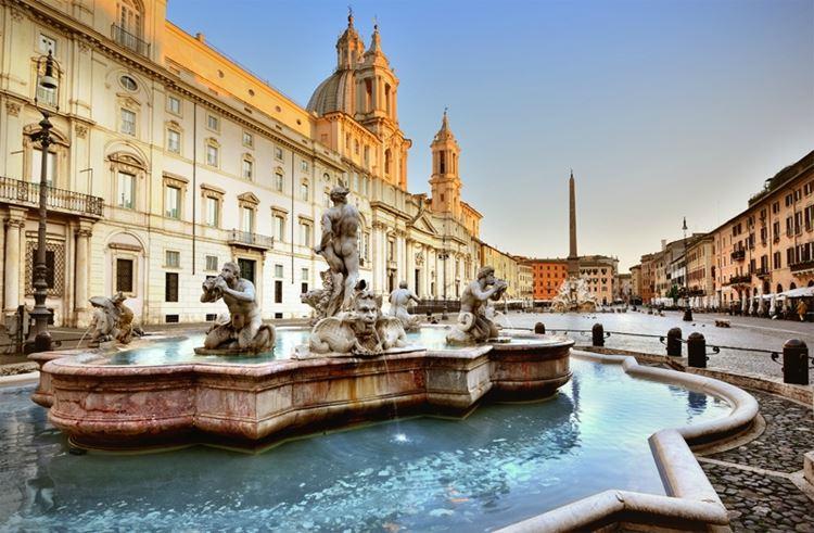 Главные красивые площади Рима: Площадь Испании