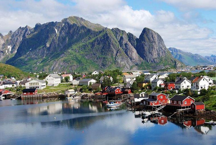 Красивые деревни и маленькие города Европы: Рейне