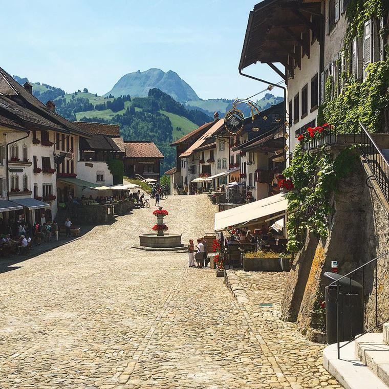 Красивые деревни и маленькие города Европы: Грюйер