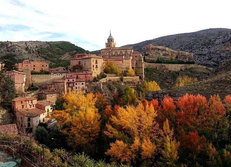 Красивые деревни и маленькие города Европы: Альбаррасин