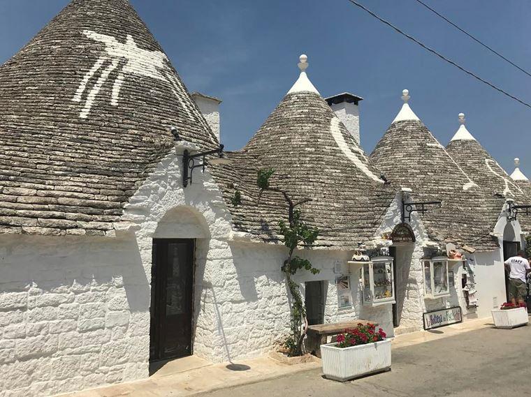 Красивые деревни и маленькие города Италии: Альберобелло