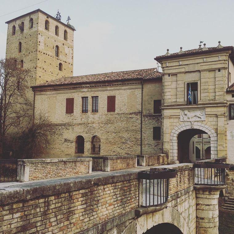 Красивые деревни и маленькие города Италии: Портобуффоле
