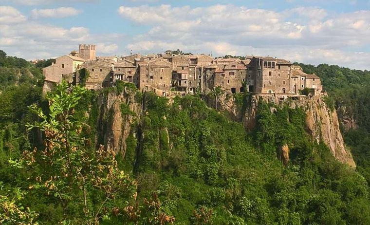 Красивые деревни и маленькие города Италии: Кальката