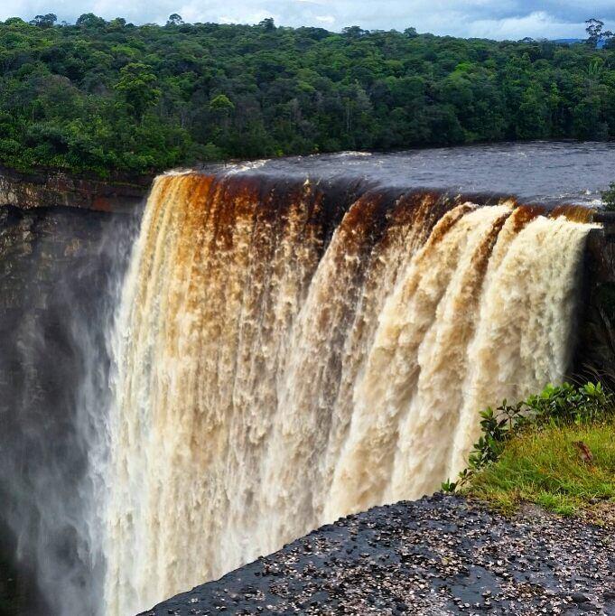 Самые красивые водопады мира: Кайетур (Гайана)