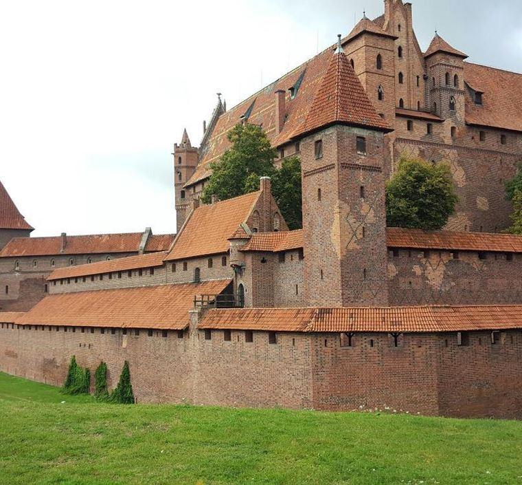 Красивые замки и дворцы мира: Замок Тевтонского ордена