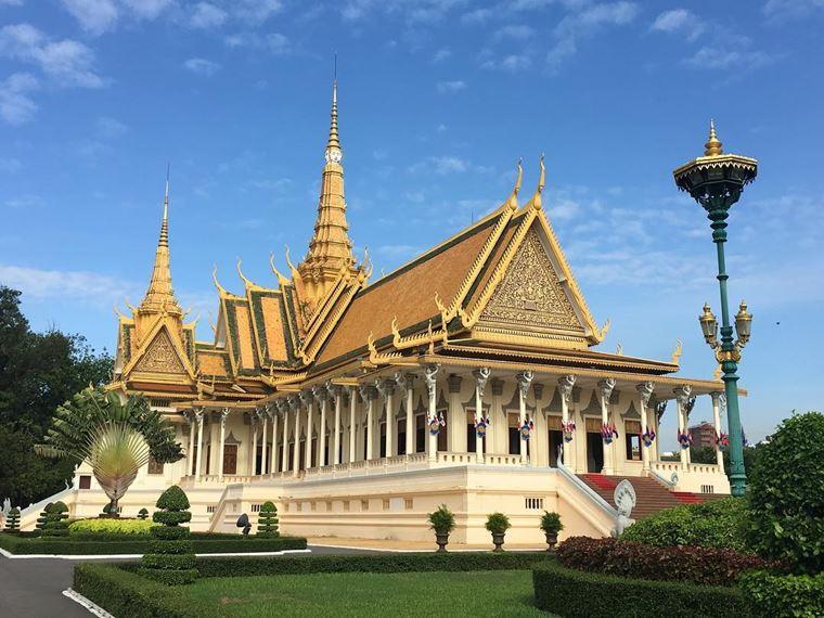 Красивые замки и дворцы мира: Королевский дворец Камбоджи