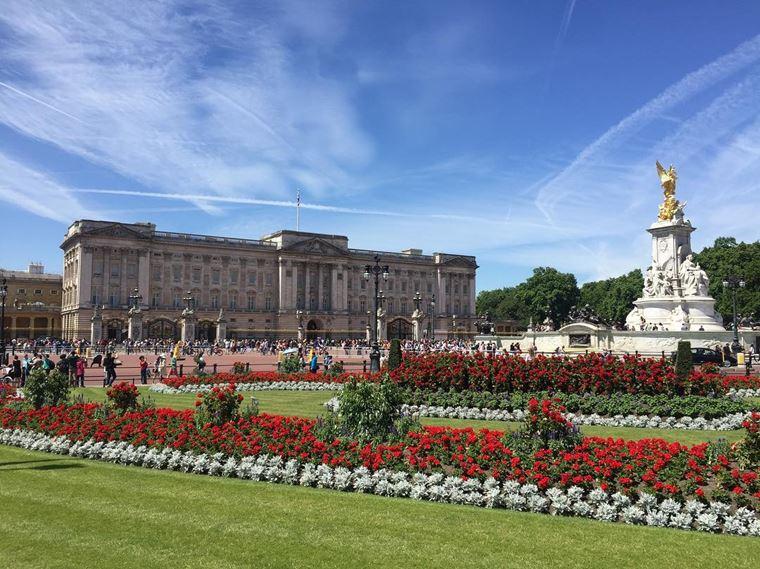 Красивые замки и дворцы мира: Букингемский дворец