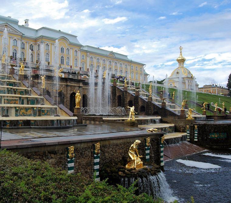 Красивые замки и дворцы мира: Петродворец