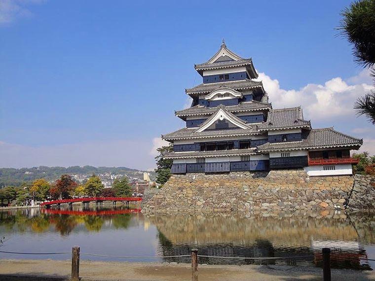 Красивые замки и дворцы мира: Замок Мацумото